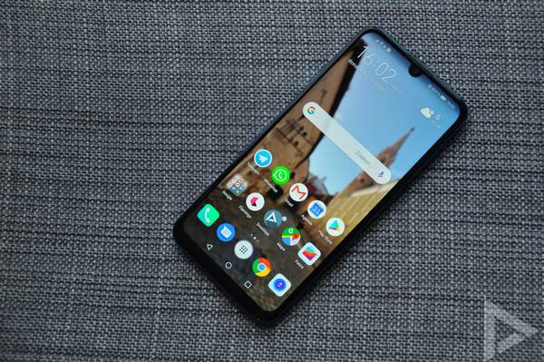"""Huawei P Smart 2019 front """"width ="""" 600 """"height ="""" 399"""