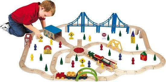 trains-train-tracks-Sinterklaas-child