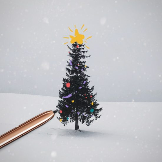 Samsun wishes Merry Christmas with an S-Pen